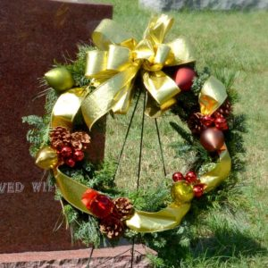 Holiday Wreath on Easel - Premium